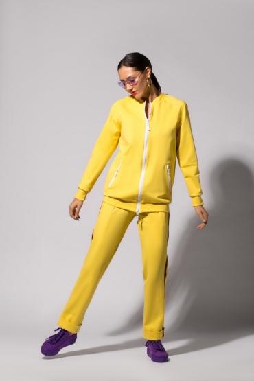 Костюм URA с цветными лампасами желтый