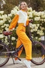 Костюм оранжевый с буфами
